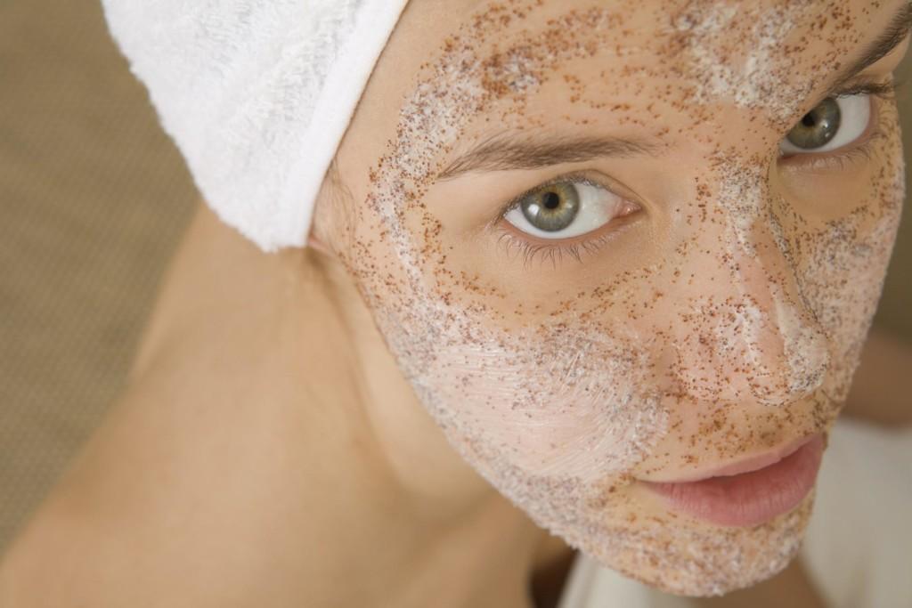 Hogyan lehet eltávolítani a piros pigmentfoltokat az arcon?