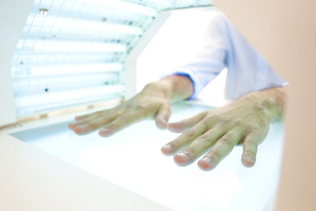 ultraibolya pikkelysömör kezelésére szolgáló eszköz vörös foltok az arc tisztítása után