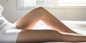 Lila foltok a combon ütés nélkül? Ez áll a háttérben - Egészség | Femina
