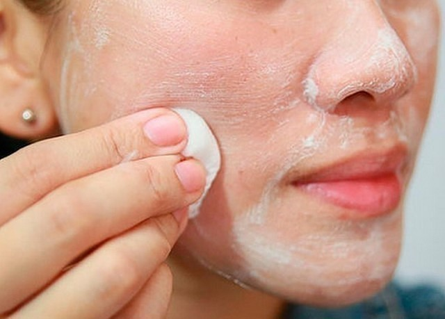 vörös foltok az arcon vitaminhiány pikkelysömör kezeli a zabot