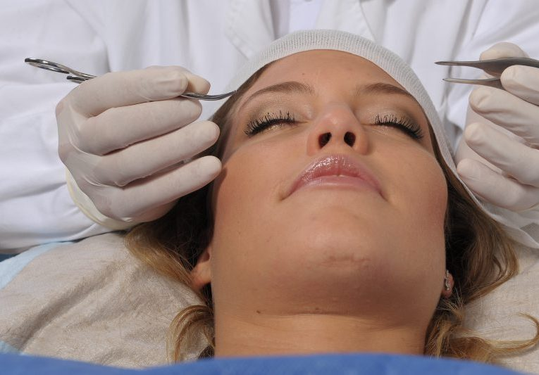 vörös anyajegyet okozhat az arcon egészséges pikkelysömörtől 2020