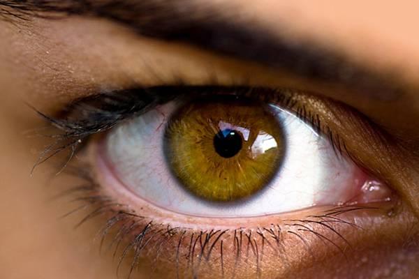vörös foltok pelyhennek le a szemhéjon milyen kezelst írnak fel pikkelysömörre